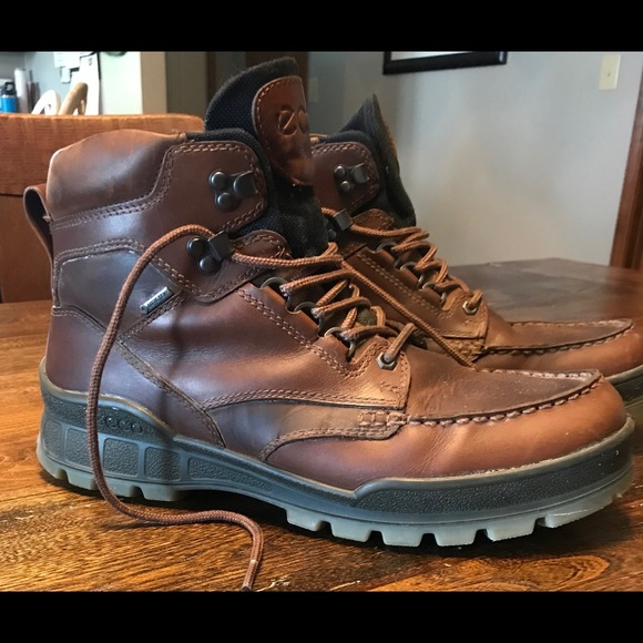 2018 sneakers presenting latest design Ecco Track II High men's boots. Size 44/US 10 1/2